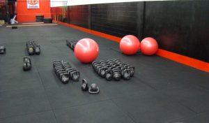 Pisos de Goma color negro de un gimnasio